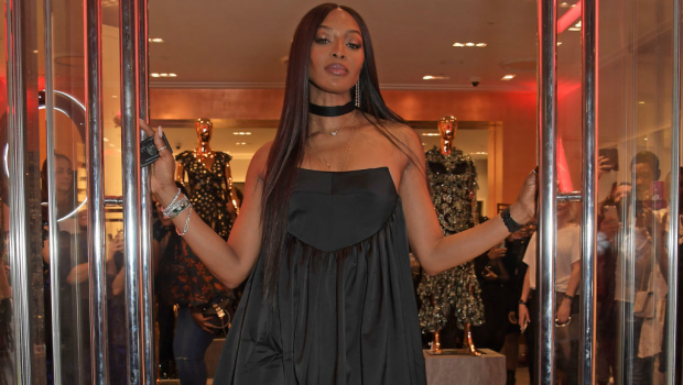 Naomi Campbell bathes in salt and vinegar everyday