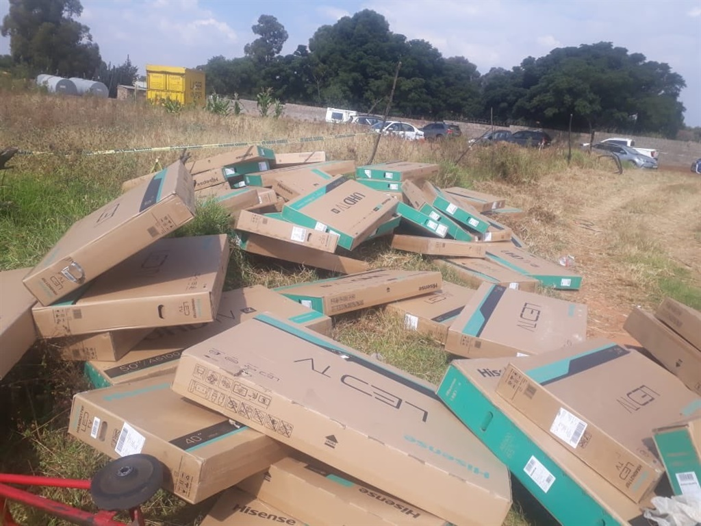 PICS: COPS RECOVER STOLEN HIGH END TVS!