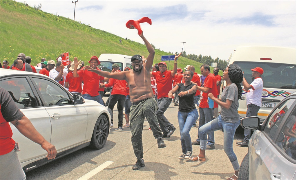 Nehawu members blocked the N3 near the Hilton off-ramp on Thursday as they protested against two KZN MECs, whom they want fired. PHOTO: Sabelo Nsele