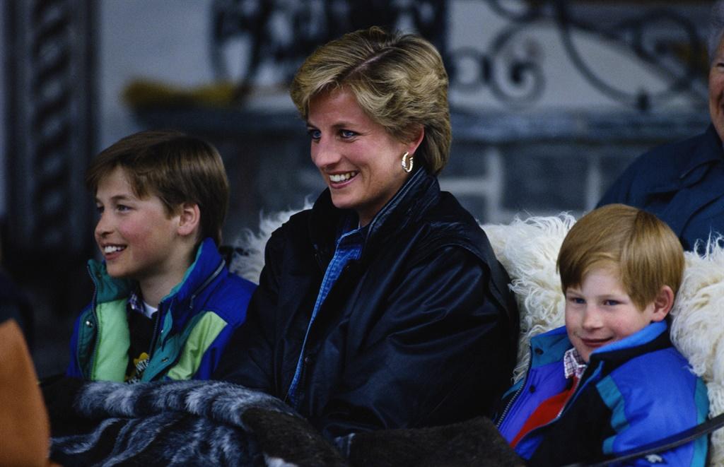 Diana (1961 - 1997) met William en Harry tydens 'n