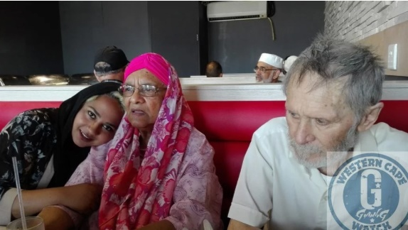Rugaya and Riedwaan Addinall with an unknown woman. (Supplied to Netwerk24 by Western Cape Gangwatch.)