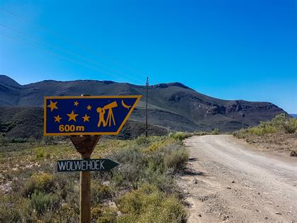 sign to wolwehoek and stargazing