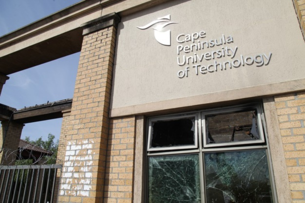 The Bellville campus student centre and parts of the administration building of the Cape Peninsula University of Technology had to close after it was flooded. (Ashraf Hendricks, GroundUp, file)