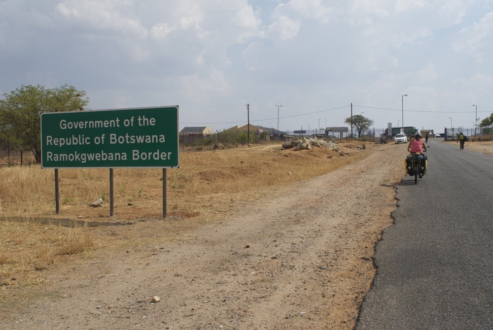 This is how (in)secure South Africa's border with Botswana