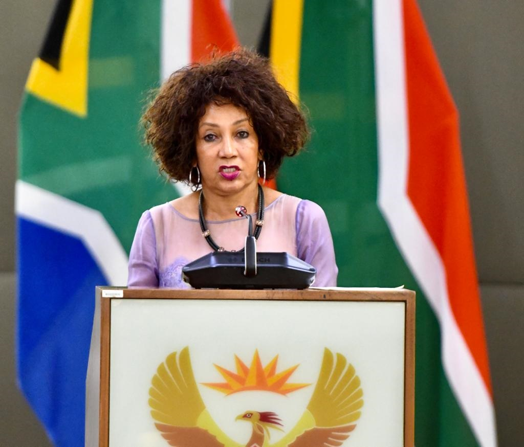 Lockdown: Land occupation will not be tolerated - Sisulu - News24