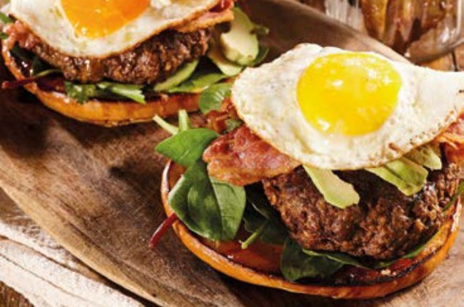 Egg and bacon burgers