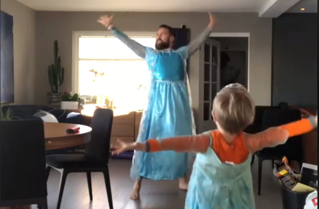 Piers Morgan Got Into A Fight With A Dad In An Elsa Costume On