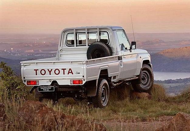 toyota land cruiser,pick up,pick-up,bakkie,truck