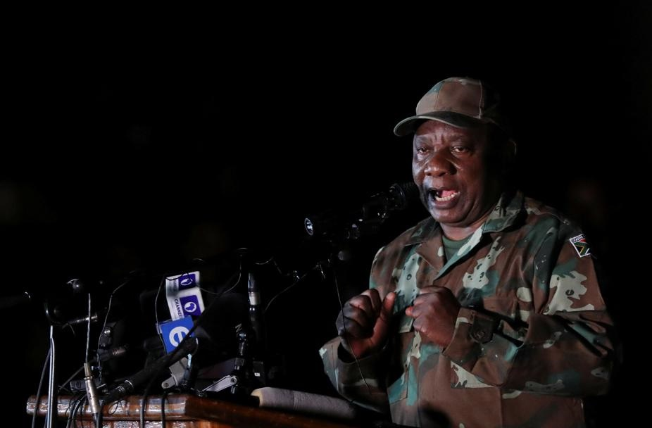 After just two days of the lockdown imposed on South Africa in response to the Covid-19 coronavirus outbreak, government has acknowledged shortcomings regarding the plans and legislation put in place to guide citizens during this period. Picture: Siphiwe Sibeko/Reuters