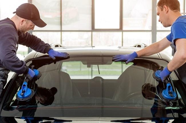 Fitting a new windscreen