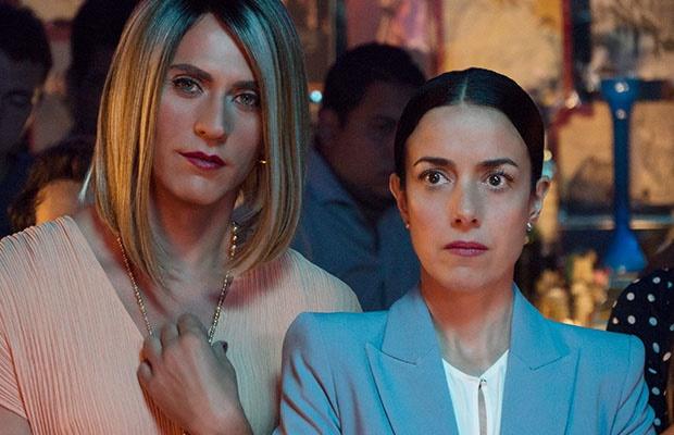 Paco León and Cecilia Suárez in 'The House of Flowers'. (Javier Ávila/Netflix)
