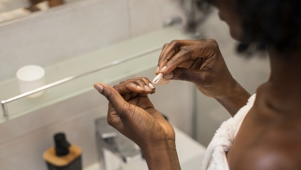 Removing Acrylic Nails (PHOTO: Getty Images/Gallo Images)