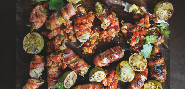 Braaied bacon, blue cheese and fig chilli poppers