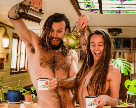 Nudist couple, Lins and Nick De Corte. Images via @silkyrontheroad/ Instagram