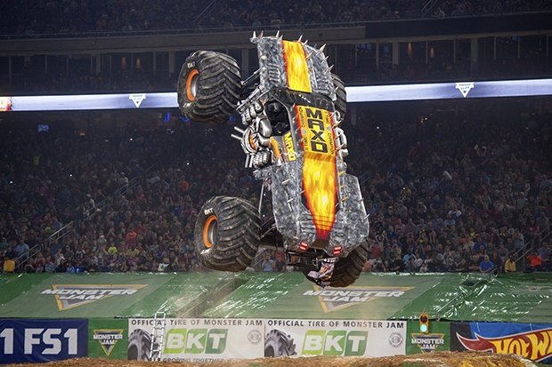 8 Monster Jam trucks heading to SA - They weigh 4 500 kg