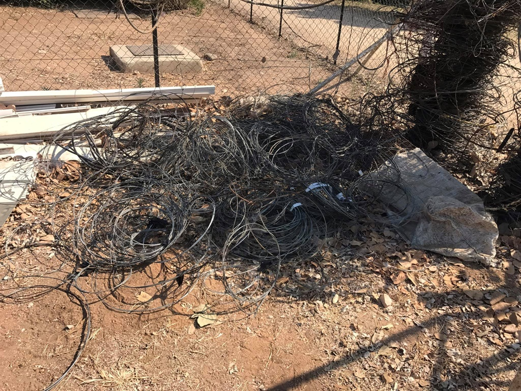 Snares removed from the western border of the Kruger National Park.