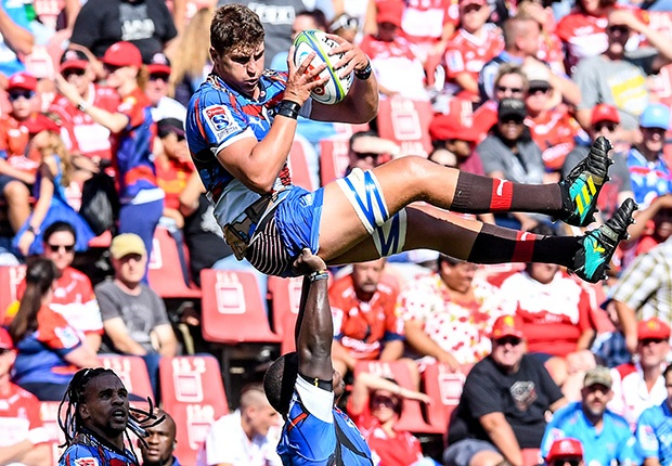Eli Snyman held aloft by Trevor Nyakane