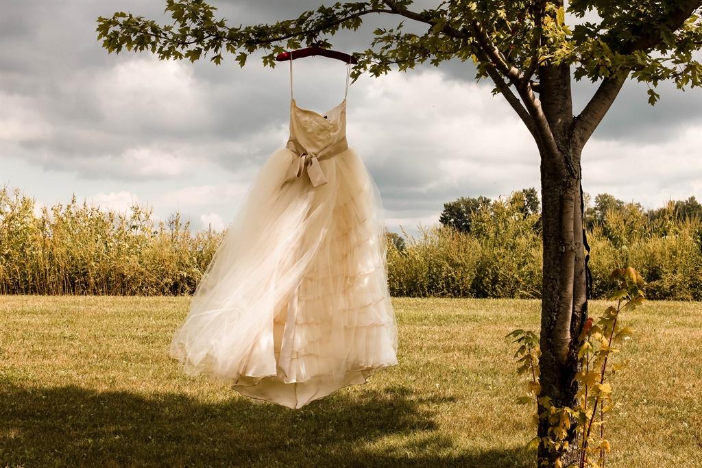 How to unplan your wedding