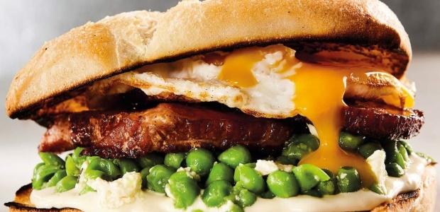 Breakfast burger with minted peas