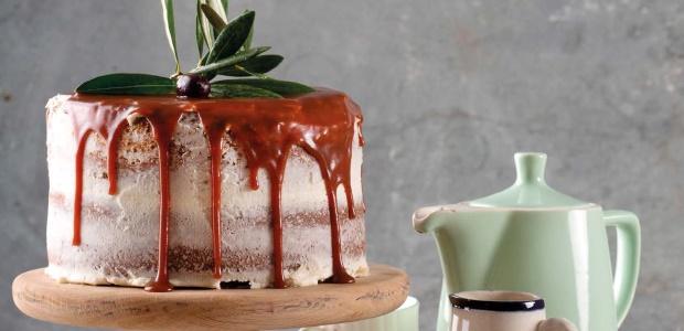 Sumptuous custard cake with salted caramel