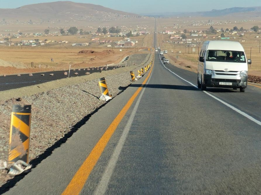 The R61 between Queenstown and Mthatha. Credit: JG
