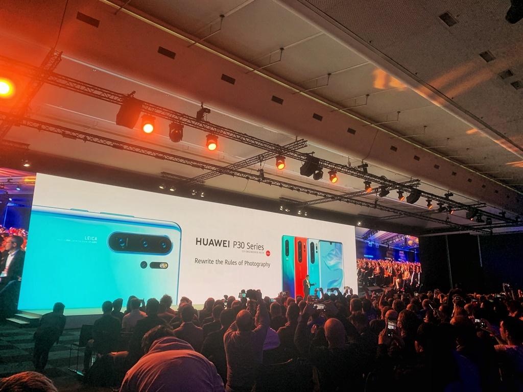 The new Huawei P30 (James de Villiers, Business In