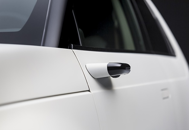 Honda's high-tech side-camera mirrors will be standard for new EV