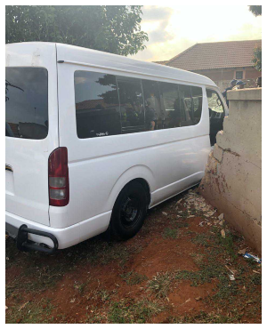 Taxi which caused the accident (PHOTO: Supplied to Move!)