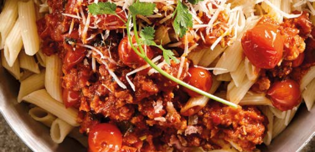 Bacon penne pasta in delicious tomato pan sauce (P