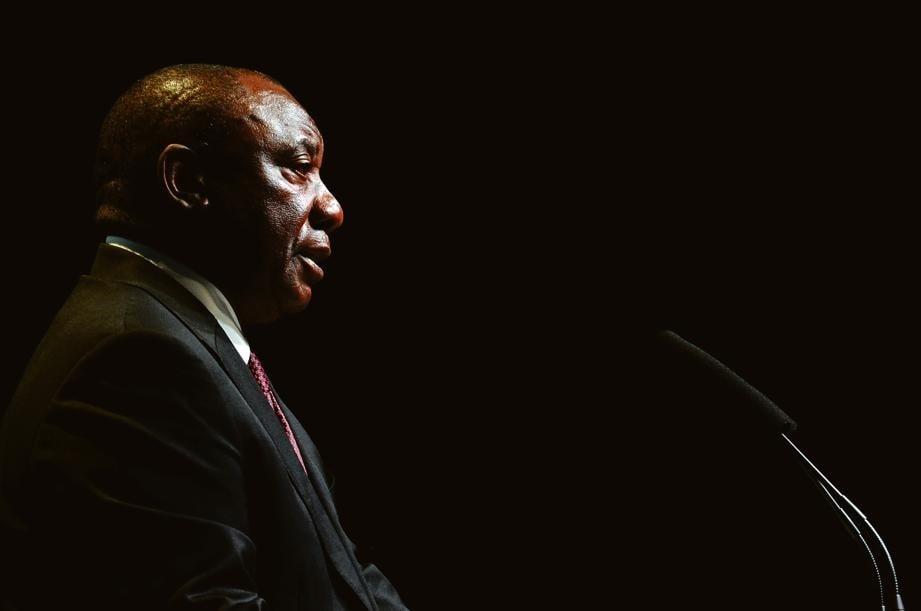 News24.com | Mpumelelo Mkhabela: CR17-skenkers kan Ramaphosa uit die politieke kwessie help