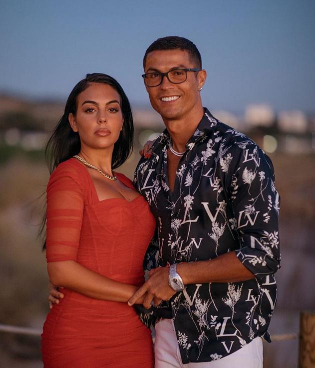 'n Foto van Cristiano Ronaldo en sy vrou, Georgina