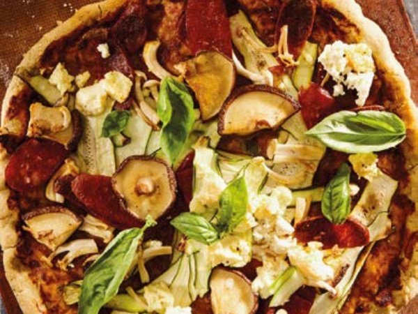 eeded shortcrust pizza with chorizo and mushrooms