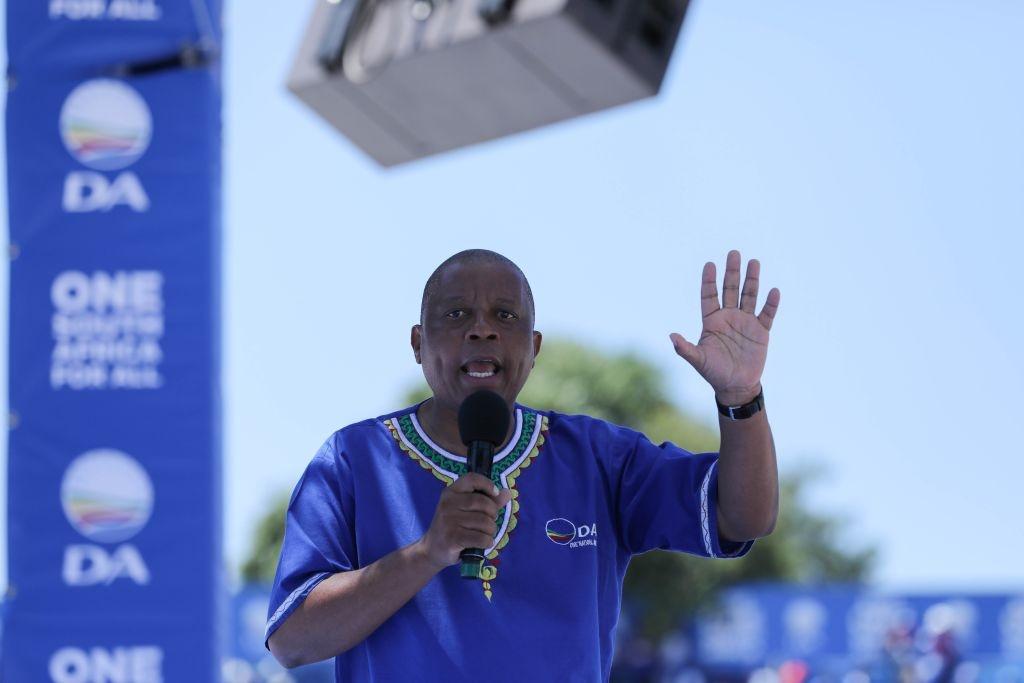 News24.com | Gautengse DA loods 'n petisie aan 'Save Jozi Mayor', omdat Mashaba 'n ander mosie van vertroue in die gesig staar