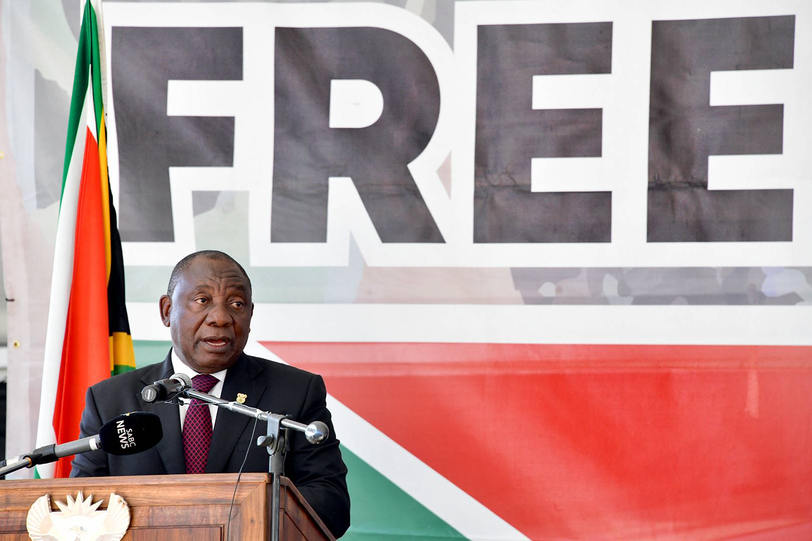 President Cyril Ramaphosa marked 25 years of freedom and democracy by delivering the keynote address at the Freedom Day national commemoration event in Makhanda, Eastern Cape