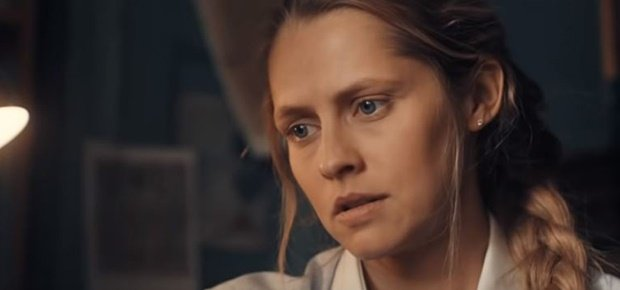 Teresa Palmer in A Discovery of Witches. (Screengrab: YouTube)