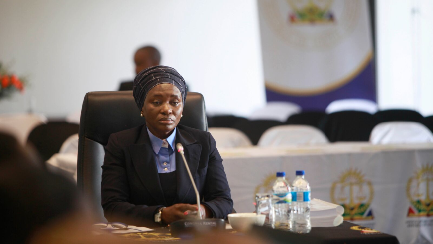 Judge Tintswalo Nana Makhubele has lodged a complaint with the Judicial Conduct Committee against Judge Neil Tuchten  after he wrote a judgment criticising her. (Judges Matter, GroundUp)