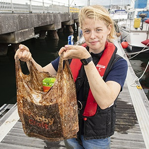Experimental Biodegradable Traffic >> Watch Biodegradable Bag Intact After 3 Years In The Sea Study