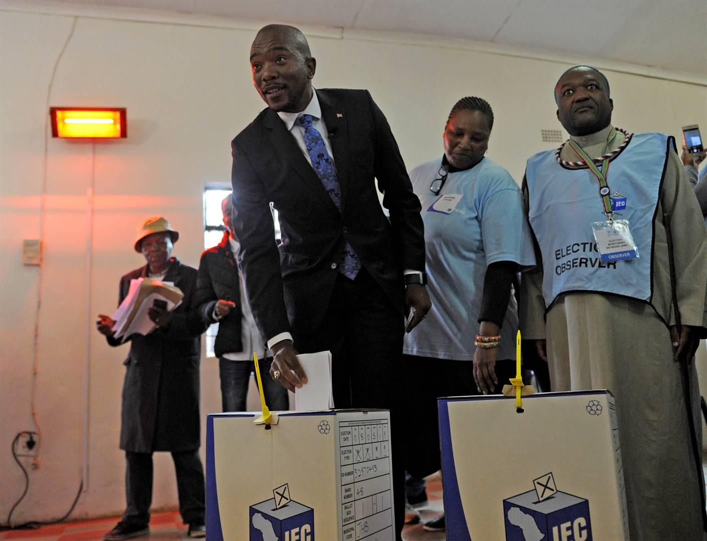 DA leader Mmusi Maimane casts his vote at the Presbyterian church in Dobsonville. Picutre: Tebogo Letsie