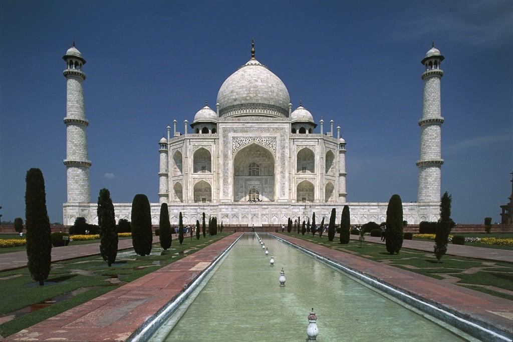 Taj Mahal mausoleum (UNESCO World Heritage List, 1