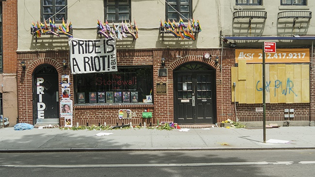Stonewall Inn was one of the few storefronts not b