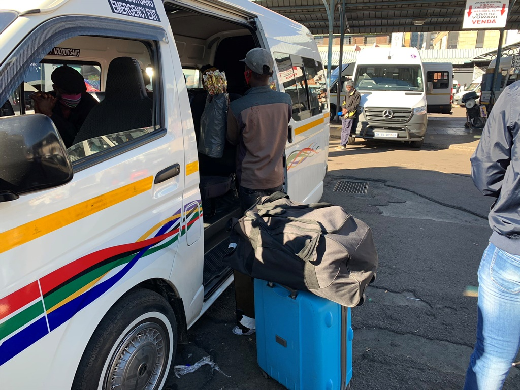 Taxis that conduct long distance travel are loading at 100% capacity at Wanderers' taxi rank