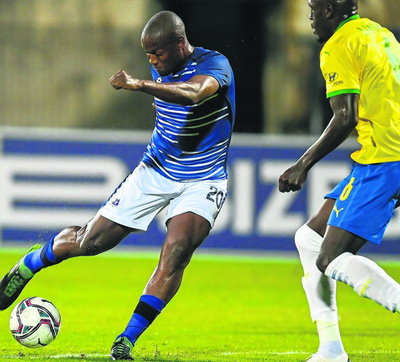 Maritzburg United striker Judas Moseamedi (left) in action with Mamelodi Sundowns defender Brian Onyango, a former United skipper, during the two clubs' 1-1 draw in the DStv Premiership at Harry Gwala Stadium on Saturday. PHOTO: gallo