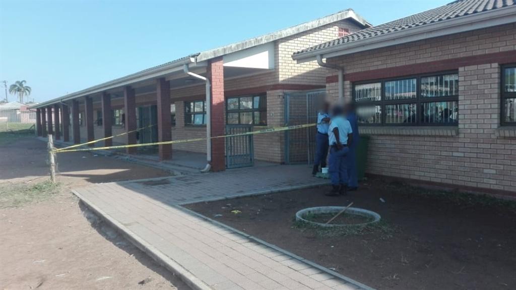 Let teachers bring guns to school, says educators' union