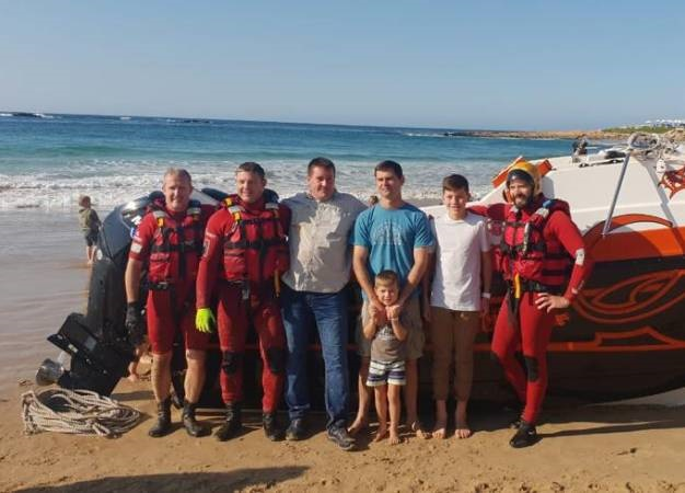NSRI members worked to rescue people and equipment. (NSRI)