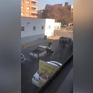 A shootout ensued between security guards and armed suspects outside a mosque in Newtown, Johannesburg. (Screengrab)