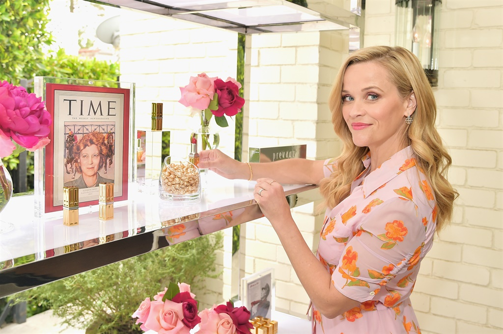 BEVERLY HILLS, CA - MAY 15:  Reese Witherspoon hos