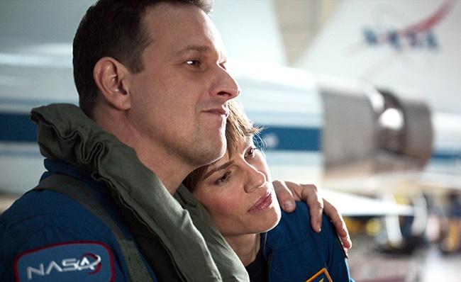 Josh Charles as Matt Logan and Hilary Swank as Emma Green in Away. (Photo: Netflix)
