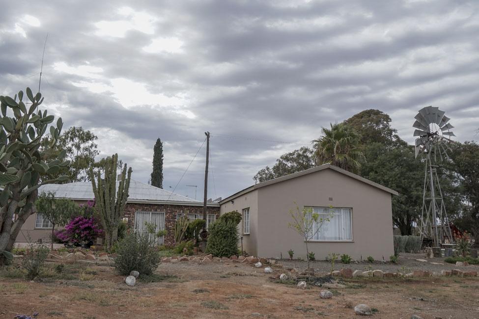 Willem Van Wyk Flowers tour on Papkuilsfontein. Pi