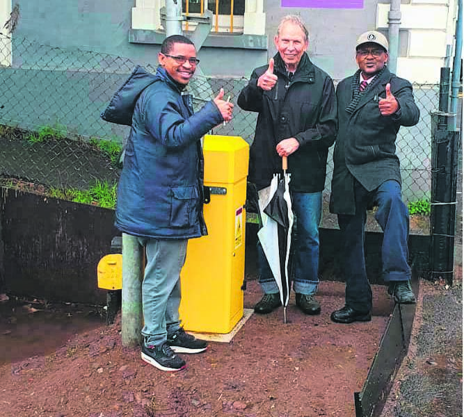 Prasa signal project leader, Jerome Lubbe, community project leader, Henk Egberink and Prasa special project manager, George Kiewiets give the new trackside equipment at Kenilworth Train Station a thumbs up.