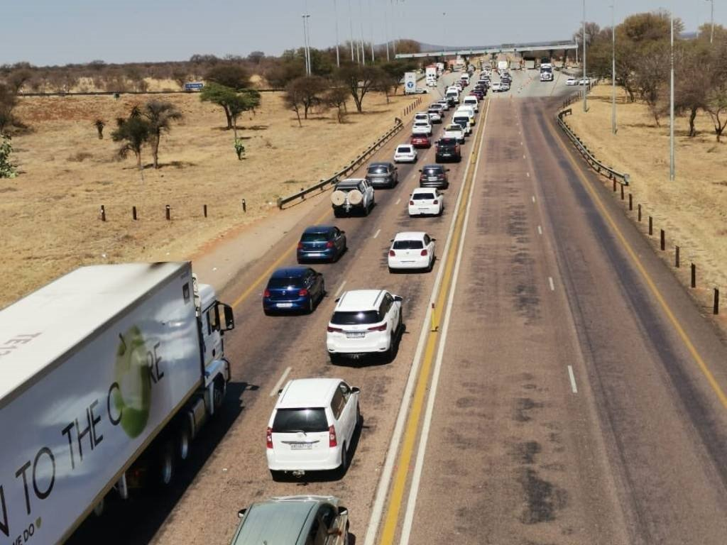 There is heavy traffic on SA's roads.